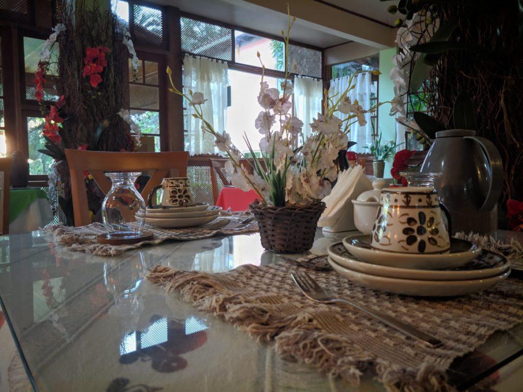 Pousada Dom Ângelo - Mesa de Café da Manhã